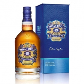 Rượu Chivas Regal Gold Signature Gift Box 18 năm 700mL
